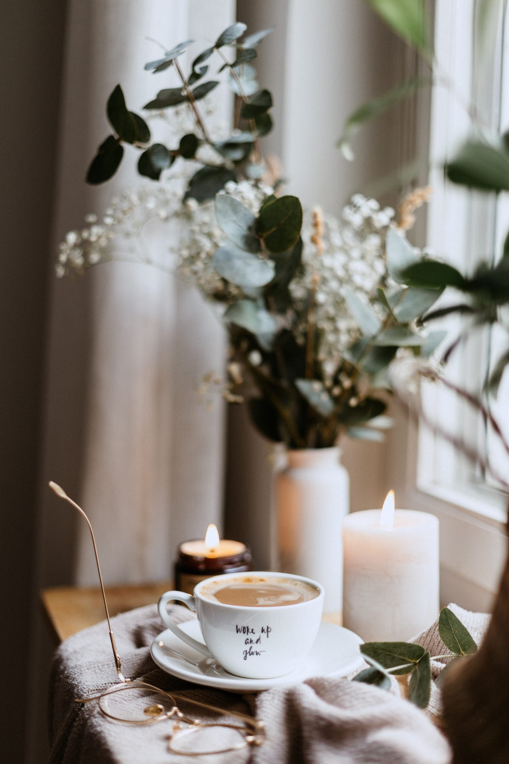 coffee and flowers / image from usnplash